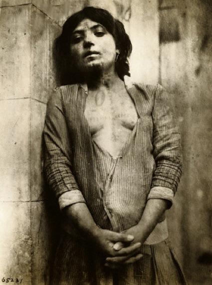 1919 : une jeune Arménienne vendue comme esclave par les Turcs. La masse des sources disponibles pour témoigner du génocide est désormais impressionnante.