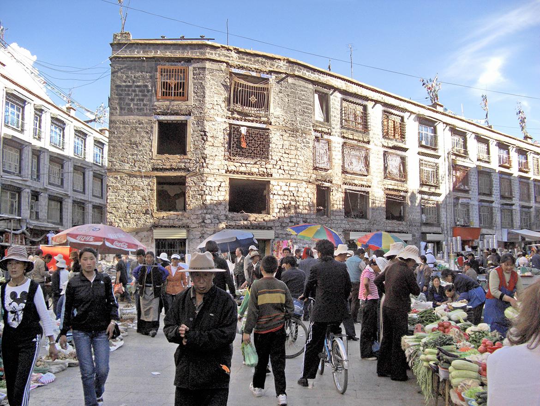 Le marché à Lhassa 3 mois après les émeutes