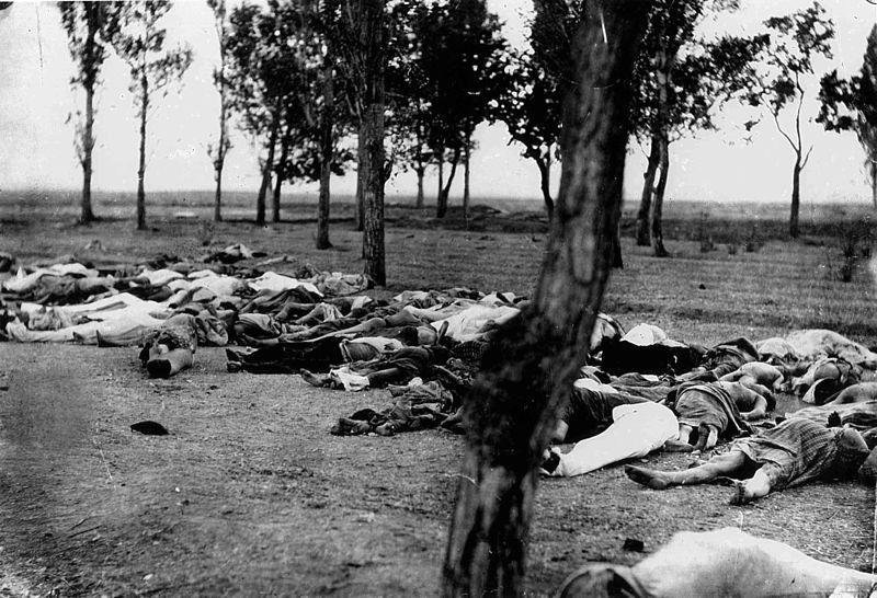 Corps de plusieurs Arméniens abattus alors que se déroulait le génocide des Arméniens. Photo Morgenthau