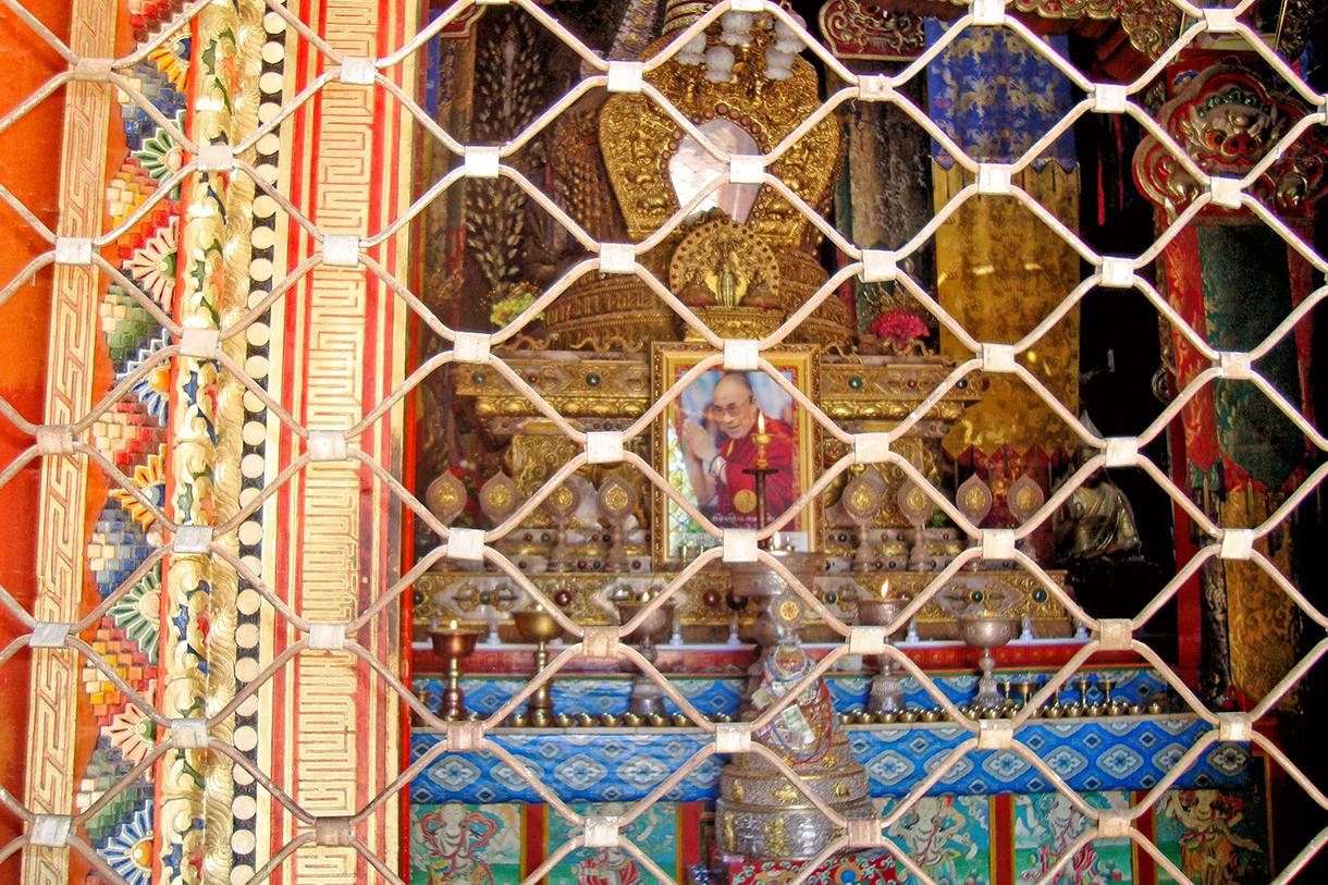 Un autel dans le monastère de Rongwo (Repgong)