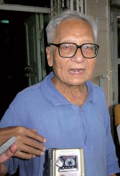 Win Tin après sa libération de prison le 23 septembre 2008