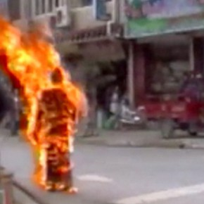 Tibet : L'immolation des moines entraîne des troubles inquiétants