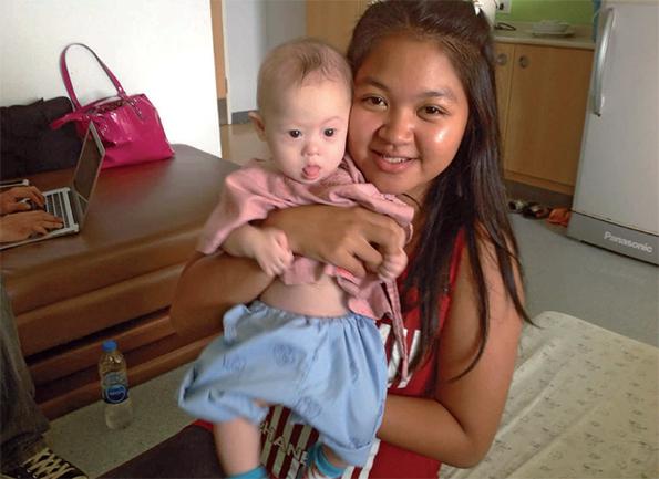 Pattaramon Chanbua et son petit garçon trisomique