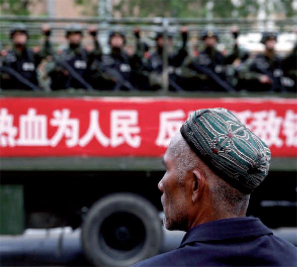 Renforts policiers dans le Xinjiang