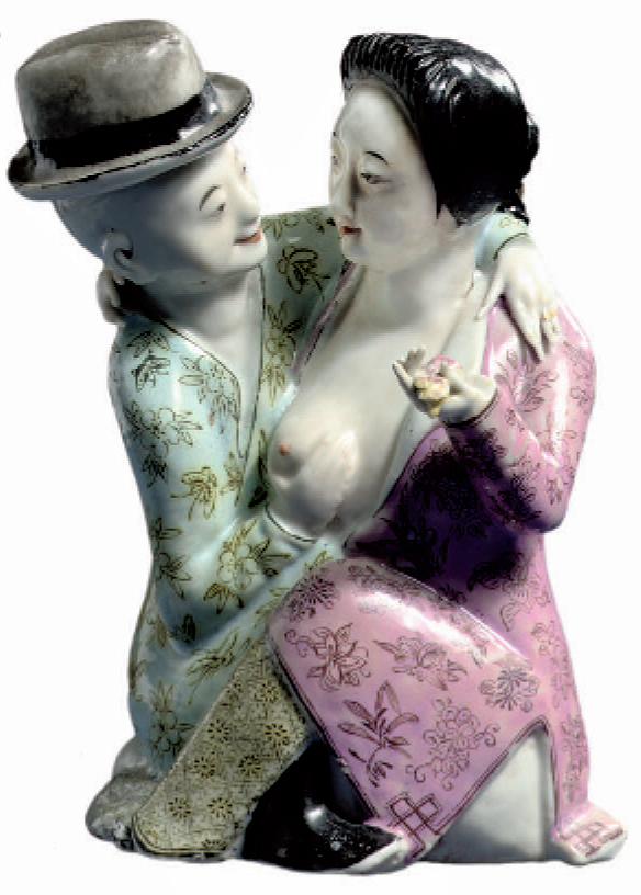 Couple d'amoureux à Shanghai (h. 15,5 cm). Porcelaine de la famille rose (vers 1920). Coll. Ferry Bertholet, Amsterdam.