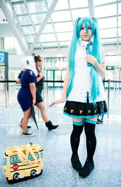 Miku-Hatsune-cosplay