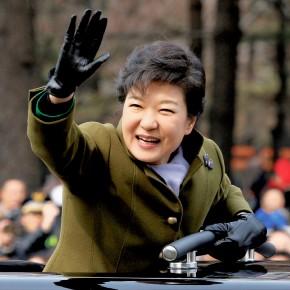 Park Geun-hye, la Vierge de  fer