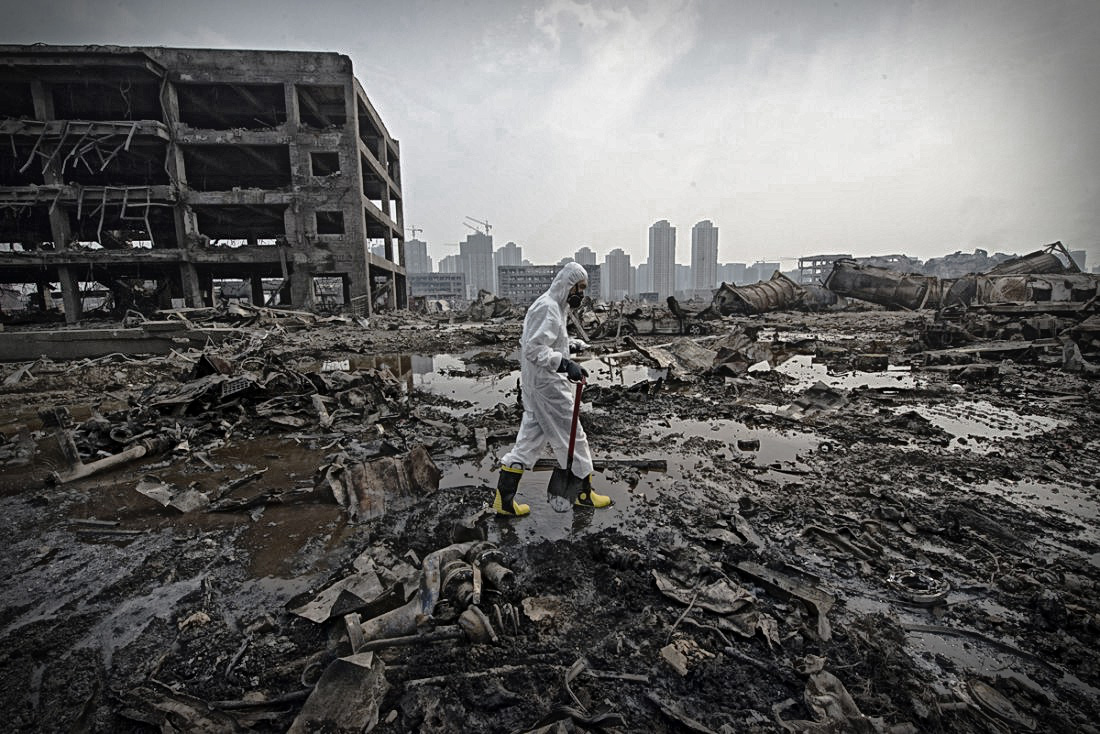 Une semaine après la catastrophe, des équipes spécialisées ont été déployées dans le périmètre de confinement. (Liu Bowen)